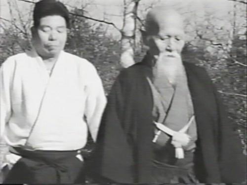morihei-ueshiba-morihiro-saito-1964-walk.jpg