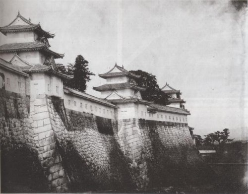 Osaka_Castle_rampart_in_1865.jpg
