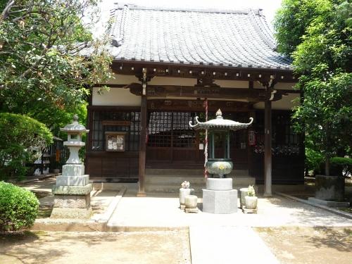 maneki-neko-temple.jpg