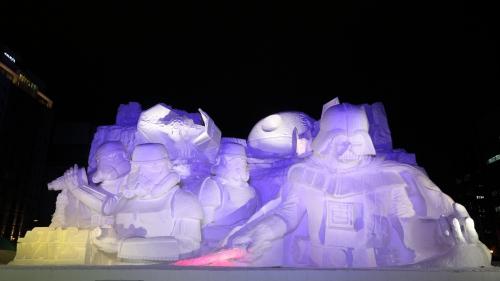 Sculpture-Star-Wars-Sapporo-2015-nuit.jpg