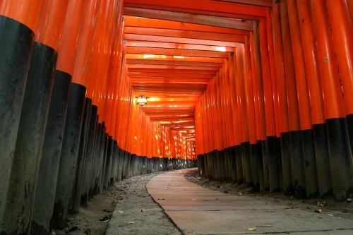 1280px-KyotoFushimiInariLarge.jpg